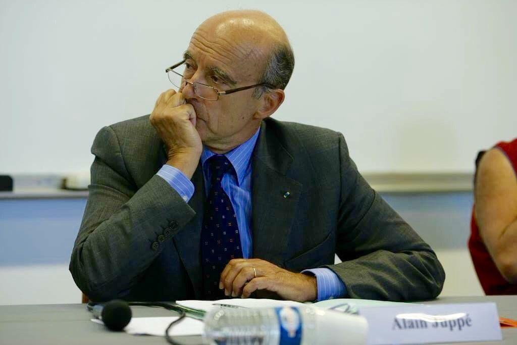 """Alain Juppé, 70 ans, le """"candidat de la jeunesse ?"""" ©Medef"""